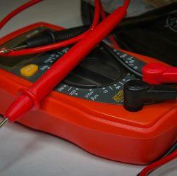 multimètre pour les travaux domestiques